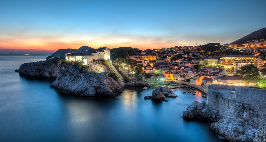 dubrovnik sea cliff